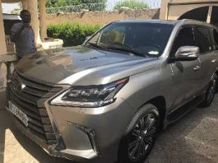 Y3CT037B OFFRE TRANSPORT: LEXUS 2017