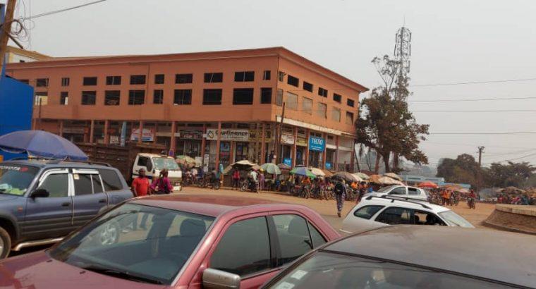 Y054NDM26 OFFRE : LOCAL À LOUER CAMEROUN -Y