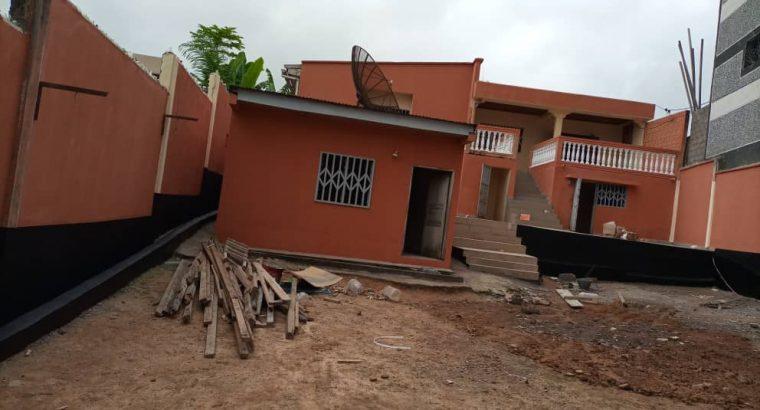 Y064MKT01 OFFRE: MAISON À LOUER AU CAMEROUN/YAOUN
