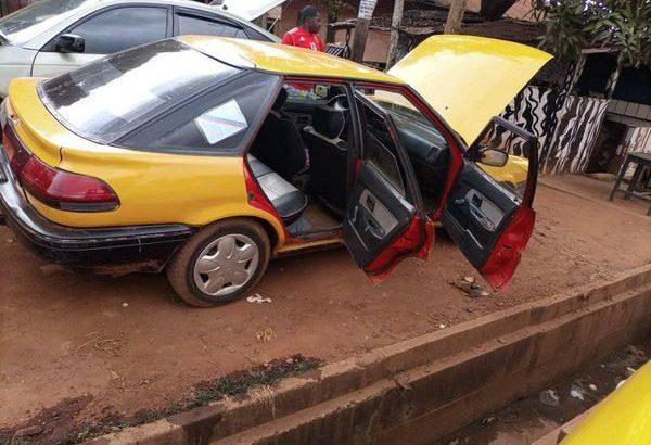 Y037MLV10 VOITURE A VENDRE /Yaoundé. Une Toyota