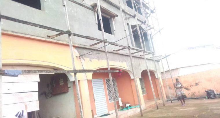 Y094MMI01 OFFRE: IMMEUBLE À VENDRE AU CAMEROUN/